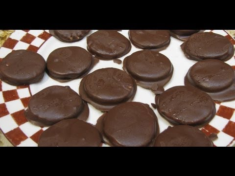 PEPPERMINT PATTIES/EASY HOME MADE CANDY RECIPE / CHERYLS HOME COOKING